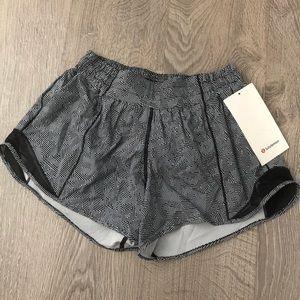 Lululemon Seawheeze Hotty Hot shorts - size 6